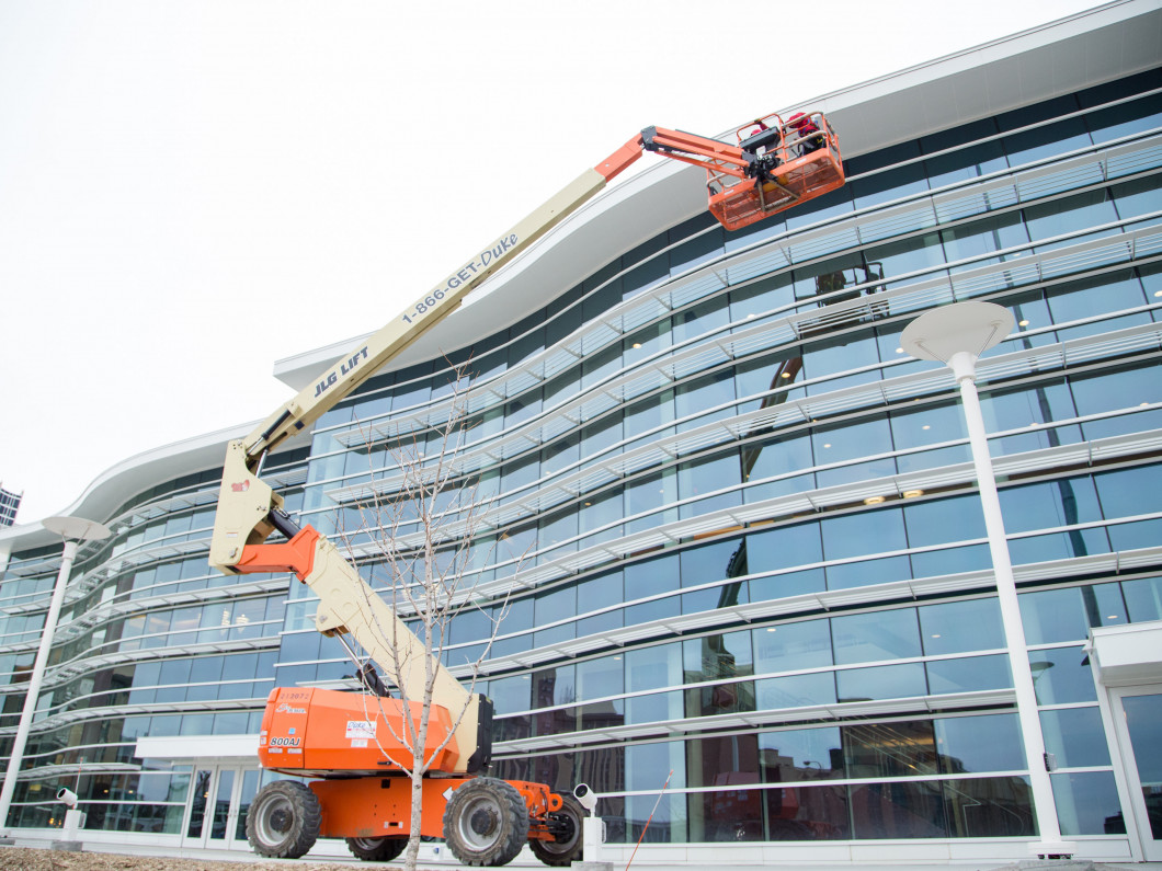 commercial window cleaning services in owatonna, mn