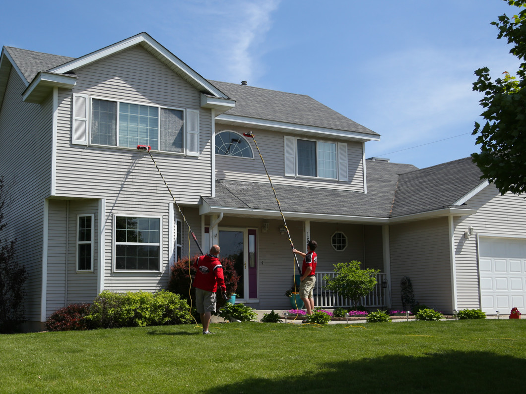 Residential window cleaning services in Owatonna, MN